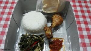 Nasi Box Pesanan Ibu Kiki di Salemba, Jakarta Pusat