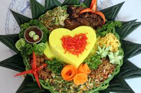 Nasi Tumpeng Hati Pesanan Ibu Tari di Cipinang, Jakarta Timur