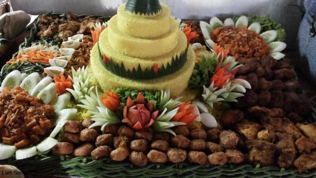 Pesanan Nasi Tumpeng Kuning Ibu Indit di Kebayoran Baru, Jakarta Selatan