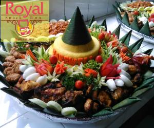 Nasi Tumpeng Kuning Pesanan Ibu Ina di Jl. HR. Rasuna Said, Jakarta Selatan