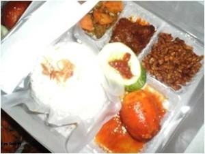 Nasi Box Pesanan Ibu Chandra di Jatinegara, Jakarta Timur