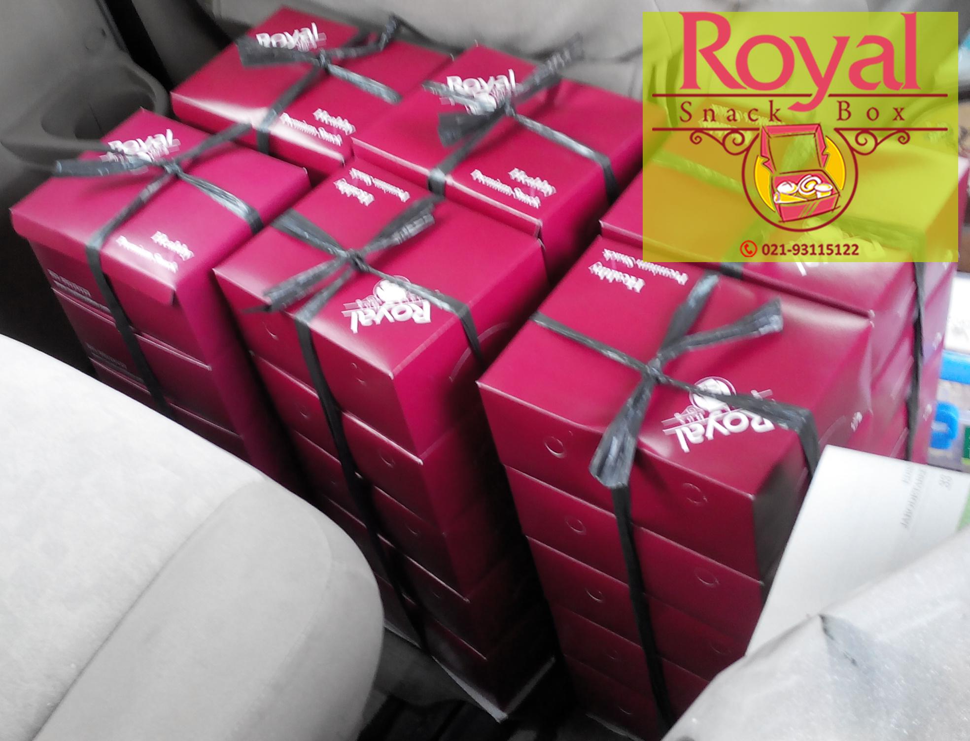 Snack Box Pesanan Ibu Junnita di Medan Merdeka, Jakarta Pusat