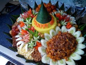 Nasi Tumpeng Pesanan Ibu Surati di Gambir, Jakarta Pusat