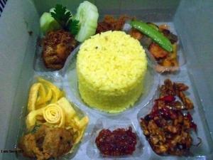 nasi-box-pesanan-bunda-sulha-di-pasar-minggu-jakarta-selatan