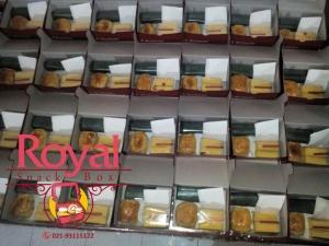 snack-box-pesanan-ibu-diaz-di-pasar-minggu-jakarta-selatan