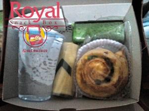 snack-box-pesanan-mba-prilla-di-ragunan-jakarta-selatan