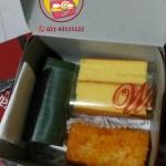 Snack dan Nasi Box Pesanan Ibu Ria di Pasar Rebo , Jakarta Timur