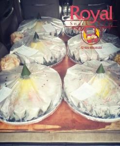 nasi-tumpeng-kuning-pesanan-ibu-yuli