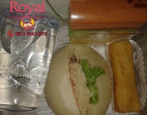 nasi-box-dan-snack-box-pesanan-pak-widodo-di-kemayoran-jakarta-pusat-1